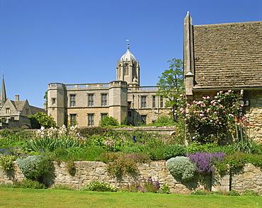 War Memorial Gardens and Christ Church, Oxford, Oxfordshire, England, United Kingdom, Europe