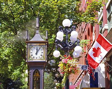 Gastown Steam Clock, the world's first steam powered clock built by Raymond Saunders, Gastown, Vancouver, British Columbia, Canada