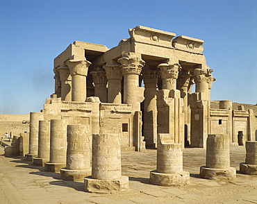 Ptolemaic temple of Haroeris and Suchos (Horus and Sobek), Kom Ombo, Egypt, North Africa, Africa