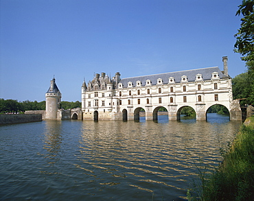 Chateau de Chenonceau, with arches over the River Cher, Indre-et-Loire, France, Europe