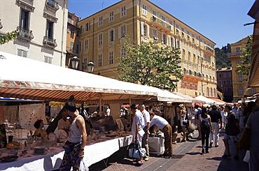 Monday antiques market, Cours Saleya, Nice, Alpes Maritimes, Provence, France, Europe