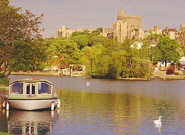 The River Thames and Windsor Castle, Windsor, Berkshire, England, UK