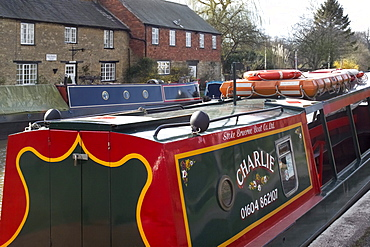 Canal and village Stoke Bruerne, Grand Union Canal, Northamptonshire, England, United Kingdom, Europe
