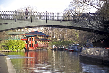 Regents Canal (Grand Union), Regents Park, London, England, United Kingdom, Europe