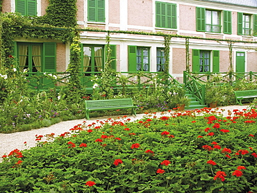 House and garden of the Impressionist painter Claude Monet, Giverny, Eure, Normandy, France, Europe