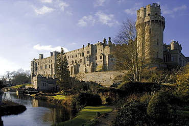 View of the River Avon and Warwick castle from the mill garden, Warwick, Warwickshire, England, United Kingdom, Europe