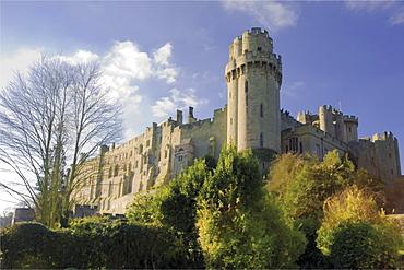 Warwick castle from the mill garden, Warwick, Warwickshire, England, United Kingdom, Europe