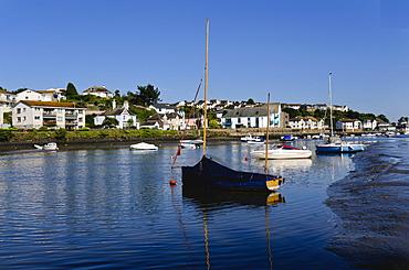 Town Quay, The Kingsbridge estuary, Kingsbridge, Devon, England, United Kingdom, Europe
