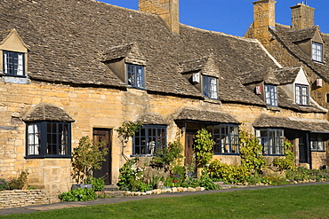 Cottages, High Street, Broadway, Worcestershire, The Cotswolds, England, United Kingdom, Europe
