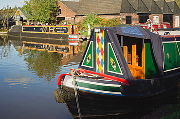 The Worcester and Birmingham canal at Tardebigge Canal Village in Worcestershire, the Midlands, England, United Kingdom, Europe