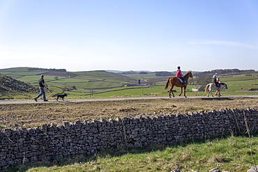 Walkers and horse riders on the High Peak Tissington Trail, Peak District National Park, Derbyshire, England, United Kingdom, Europe