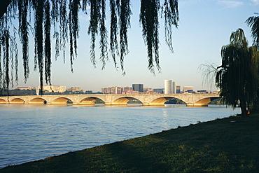 Potomac River and the Arlington Memorial Bridge, Washington D.C., United States of America (U.S.A.), North America