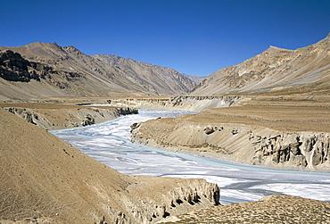 River terraces on Tsarab River between Himalaya and Zanskar mountains, Leh-Manali highway, Ladakh, India, Asia