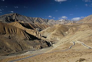 Crossing the Zanskar mountains near Pang, 4600m altitude, Leh-Manali highway, Ladakh, India, Asia