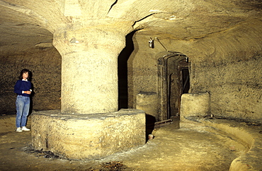 Willoughby House cave, probably a folly that was a gentlemen's drinking room in the 1700s, one of the many caves cut in the sandstone beneath the city centre, Nottingham, Nottinghamshire, England, United Kingdom, Europe