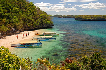 Clear waters between limestone islands, Hundred Islands, Lingayen Gulf, northern Luzon, Philippines, Southeast Asia, Asia