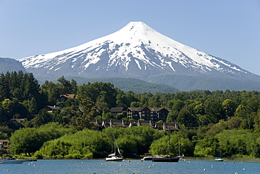 Volcan Villarrica and Lao Villarrica at Pucon, Lakes District, southern Chile, South America