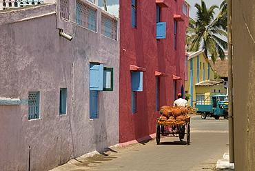 Residential street in the new town of Nani Daman, Daman, Gujarat, India, Asia