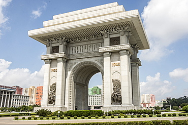Arch of Triumph, 10 metres taller than the Paris version, Pyongyang, North Korea, Asia
