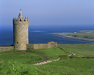 The coast at Doolin, County Clare, Munster, Eire (Republic of Ireland), Europe