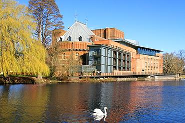 Royal Shakespeare Company Theatre and River Avon, Stratford-upon-Avon, Warwickshire, England, United Kingdom, Europe