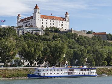 Castle and River Danube, Bratislava, Slovakia, Europe
