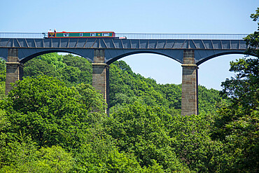 Llangollen canal passes over river Dee valley at Pontcysyllte Aqueduct, Denbighshire/Wrexham, Wales
