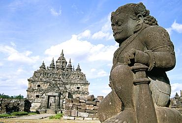 Dwarapala (temple guardian) standing in the Plaosan Lor compound, Plaosan Temples, near Prambanan, island of Java, Indonesia, Southeast Asia, Asia