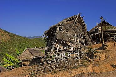 Thatched houses, Ann village, Kengtung (Kyaing Tong), Shan State, Myanmar (Burma), Asia