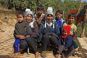 Nun Lin Kong village (Akha Tribe), Akha ladies and children, Kengtung (Kyaing Tong), Shan State, Myanmar (Burma), Asia