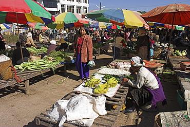 Central market, Kyaing Tong (Kengtung), Shan State, Myanmar (Burma), Asia