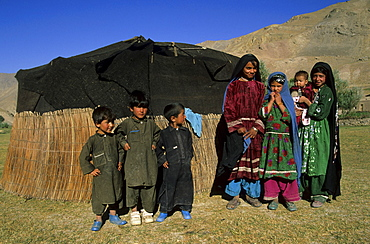 Children of the semi-nomadic Aimaq people in front of summer yurts, Pal-Kotal-i-Guk, between Chakhcharan and Djam, Afghanistan, Asia