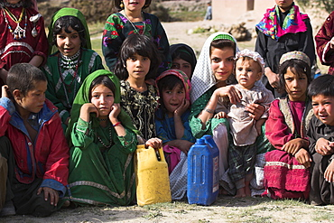 Aimaq lady and children, Aimaq nomad camp, Pal-Kotal-i-Guk, between Chakhcharan and Jam, Afghanistan, Asia