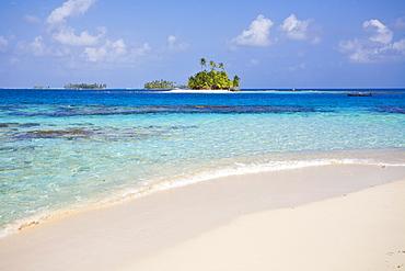 Pelican Island, Comarca de Kuna Yala, San Blas Islands, Panama, Central America