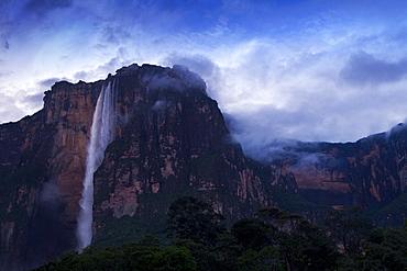 Angel Falls at dawn, Canaima National Park, UNESCO World Heritage Site, Guayana Highlands, Venezuela, South America