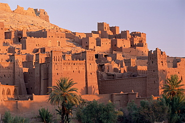 First light on fortified mud houses in the kasbah, Ait Benhaddou, UNESCO World Heritage Site, Ouarzazate, Morocco, North Africa, Africa - 321-3850