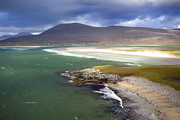 View across the beach at Seilebost towards Luskentyre and the hills of North Harris, Seilebost, Isle of Harris, Outer Hebrides, Scotland, United Kingdom, Europe