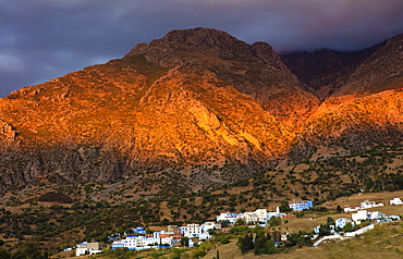 Mountains bathed in evening light, near Chefchaouen (Chaouen), Morocco, North Africa, Africa
