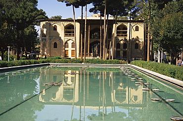 Safavid garden palace of Hasht Behesht (the Eight Paradises), Isfahan, Iran, Middle East