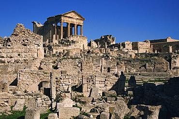 Roman ruins, The Capitol, Dougga, UNESCO World Heritage Site, Tunisia, North Africa, Africa
