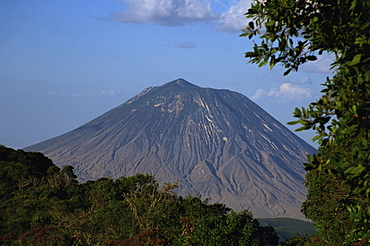 Oldonyo Lengai volcano, 2878m, Ngorongoro Conservation Area, UNESCO World Heritage Site, Tanzania, East Africa, Africa