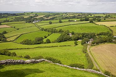 Farm beside Carreg Cennon castle, Brecon Beacons National Park, Wales, United Kingdom, Europe - 365-3828