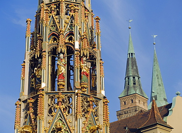 Schoner Brunnen and St. Sebaldus Church, Nuremburg, Bavaria, Germany, Europe