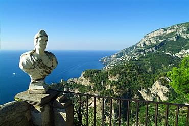 Italy, Campania,  Amalfi Coast,  Ravello (Villa Cimbrone) view of coastline including bust