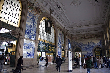Tiled walls depicting historical events, Porto, Portugal, Europe
