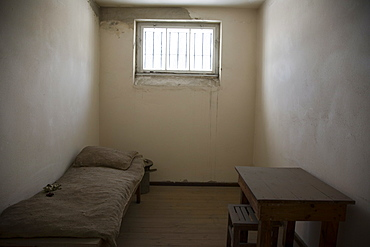 Prison cell, Gedenkstatte Sachsenhausen (concentration camp memorial), East Berlin, Germany, Europe