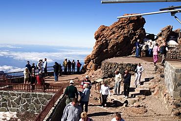 Mount Teide (Pico del Teide) at 3718 metres, cable car and viewing platform, Parque Nacional de Las Canadas del Teide (Teide National Park), Tenerife, Canary Islands, Spain, Europe