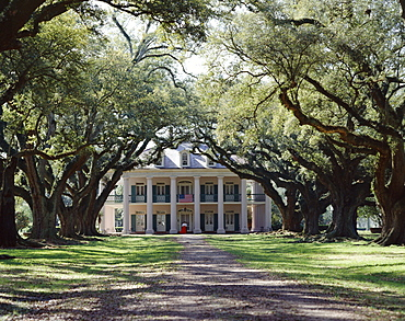 Exterior of Plantation Home, Oak Alley, New Orleans, Louisiana, United States of America (USA), North America
