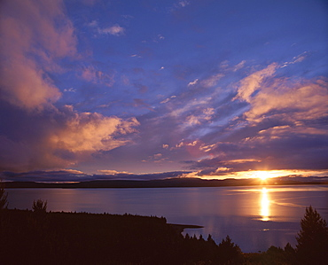 Sunrise, Lake Pukaki, Southern Alps, Canterbury, South Island, New Zealand, Pacific