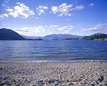 Lake Wanaka, looking towards Mount Aspiring National Park, Central Otago, Otago, South Island, New Zealand, Pacific